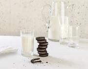 oreo cookies and milk
